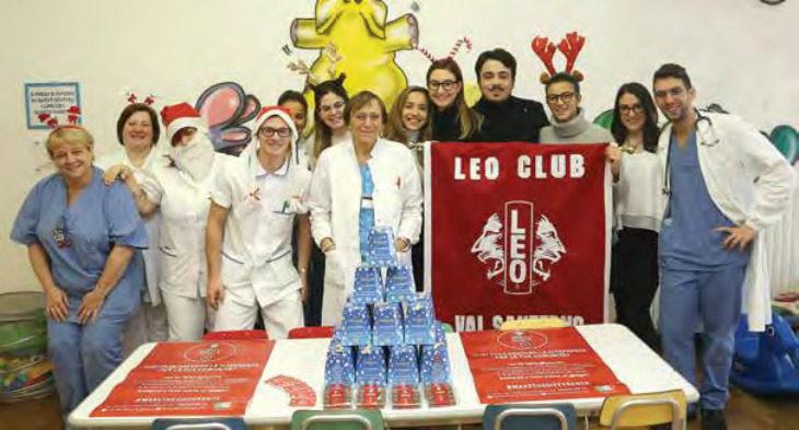 La «dolce» donazione natalizia del Leo club Valsanterno ai bambini della Pediatria dell'ospedale di Imola
