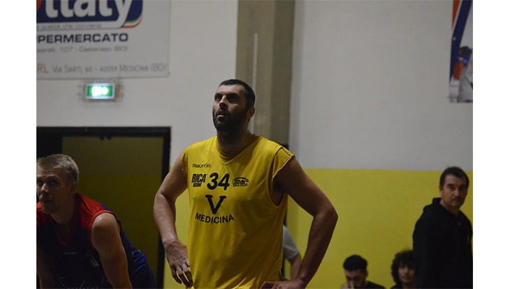 Basket C Gold, nel derby al palaRuggi a sorridere è la Virtus Medicina dell'ex Casadei