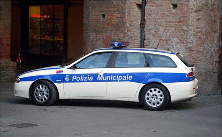 Grave incidente in via Serraglio, giovane motociclista trasportato al Maggiore