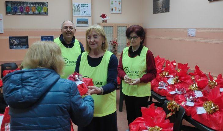 L'Auser di Castel San Pietro Terme ha consegnato 60 pacchi dono alle famiglie in difficoltà
