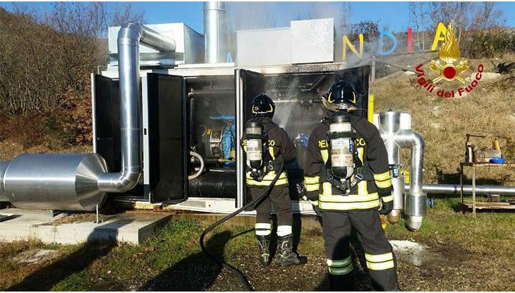 Incendio al cogeneratore di Monterenzio, due ore di lavoro per i vigili del fuoco
