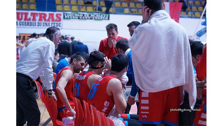 Basket serie B, la Sinermatic lotta ed esce a testa alta dal parquet di Cesena