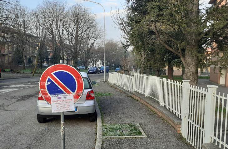Partito a Castel San Pietro l'intervento per eliminare le barriere architettoniche sul marciapiede di via Albertazzi