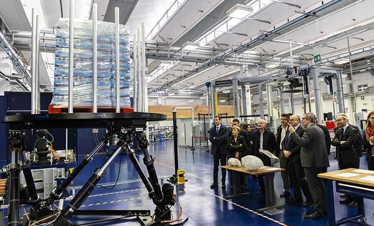 """Il ministro dell'Economia Roberto Gualtieri in visita alla Robopac: """"Vogliamo sostenere l'innovazione'"""