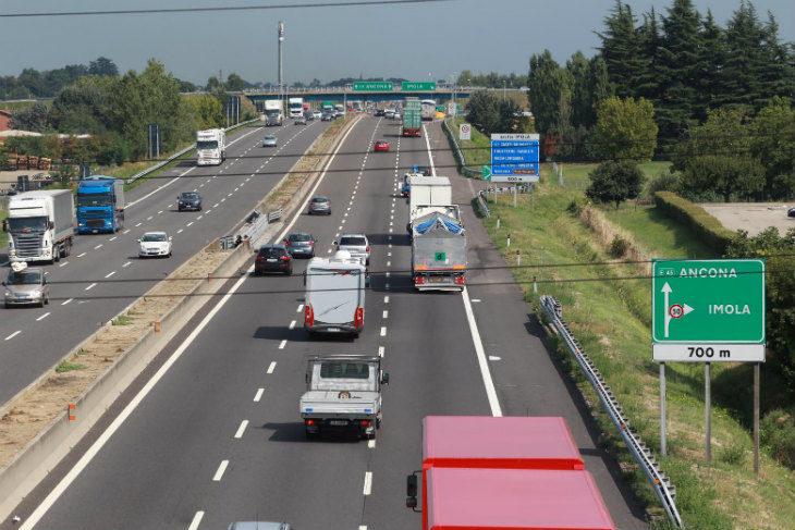 Incidenti in A14, rallentamenti e code anche sulla via Emilia