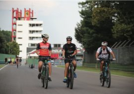 La torre dell'autodromo di Imola si tingerà dei colori dell'azienda Aruba, sponsor della Ducati Superbike