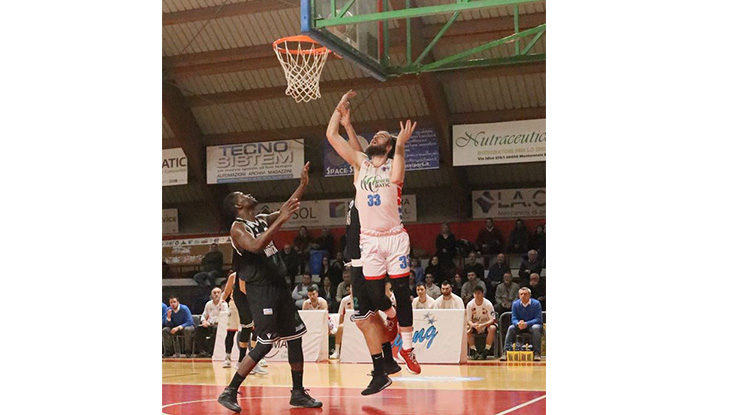 Basket serie B, la Sinermatic torna da Porto Sant'Elpidio con altri due punti in tasca