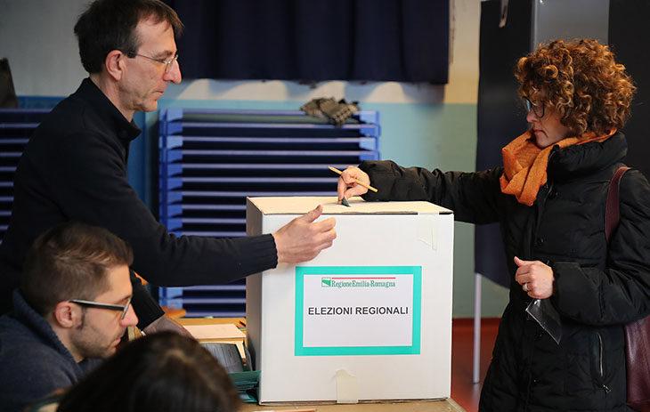 #ElezioniRegionali2020, i seggi campione di Imola e Castel San Pietro, primi exit poll alla chiusura delle urne