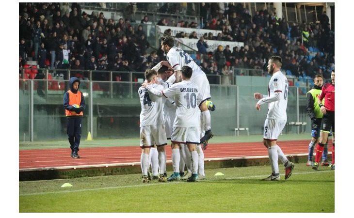 Calcio serie C, l'Imolese ritrova Marcucci e punta tutto sul tridente «pesante». Le probabili formazioni del derby