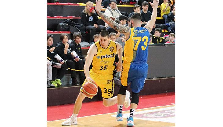 Basket C Gold, vittoria all'ultimo respiro per la Intech Imola. Castel Guelfo cade senza appello a Fiorenzuola