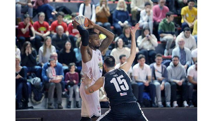 Basket A2, trasferta a Verona senza gioie per l'Andrea Costa