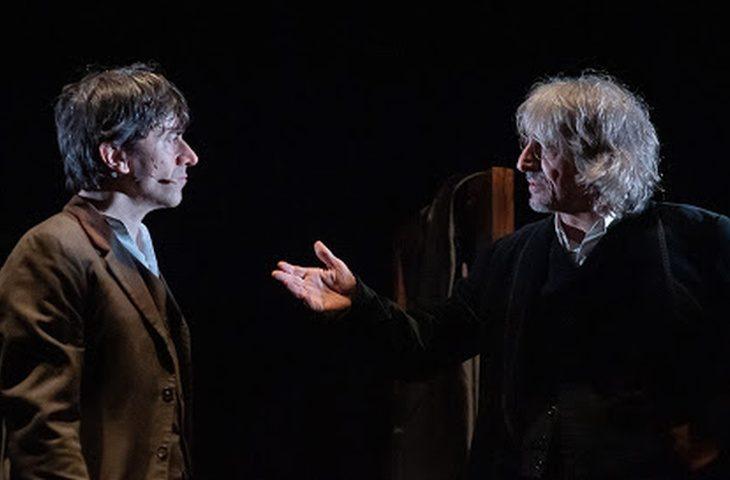 Luigi Lo Cascio e Sergio Rubini in viaggio nel buio di «Dracula»