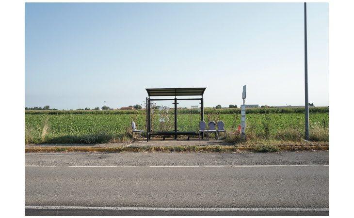 La «Fermata Continua» di Gabriele Calamelli in mostra alla galleria Tales of Art di Imola