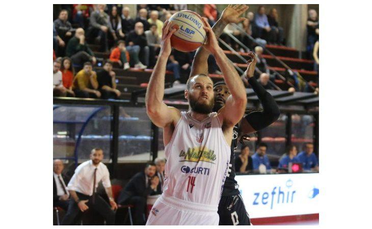 Basket A2, l'Andrea Costa non sa più vincere. Biancorossi ko a Ferrara