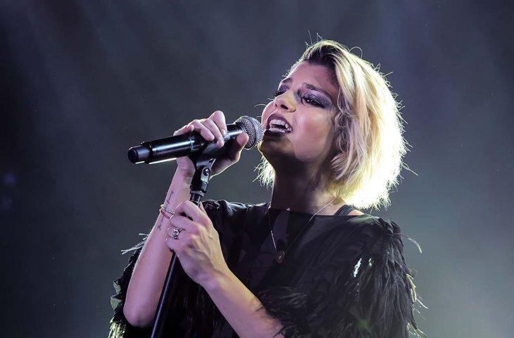 Emma Marrone apre il concerto di Vasco all'autodromo di Imola