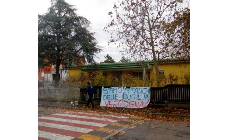 Cantiere materna Rodari di Ozzano, famiglie stanche per l'attesa