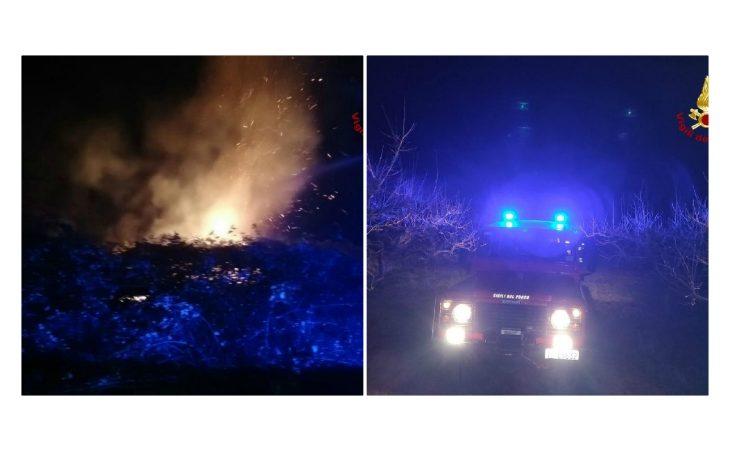 In fiamme un ettaro di terreno sulle colline di Casalfiumanese