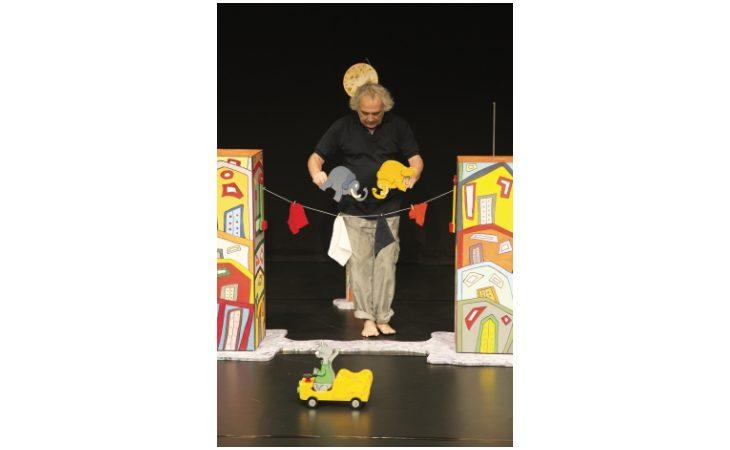 «Un elefante si dondolava…», spettacolo per bambini al Magazzino Verde di Medicina