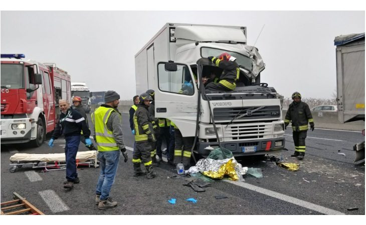 Incidenti a catena in A14, traffico in tilt e 8 chilometri di coda in direzione mare