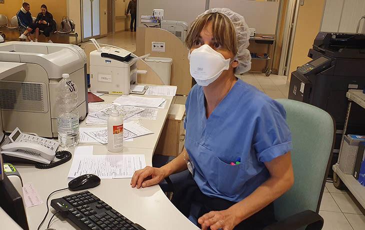 Coronavirus, trenta persone in isolamento domiciliare nel medicinese. In Emilia Romagna positivi anche due assessori regionali. Un'azienda di Modena dona delle mascherine