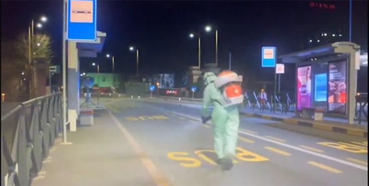 """Coronavirus, l'Ausl: """"Disinfettare le strade non serve, inquina e irrita le vie respiratorie'. Venturi: """"Utile negli ospedali e nei corrimani'"""