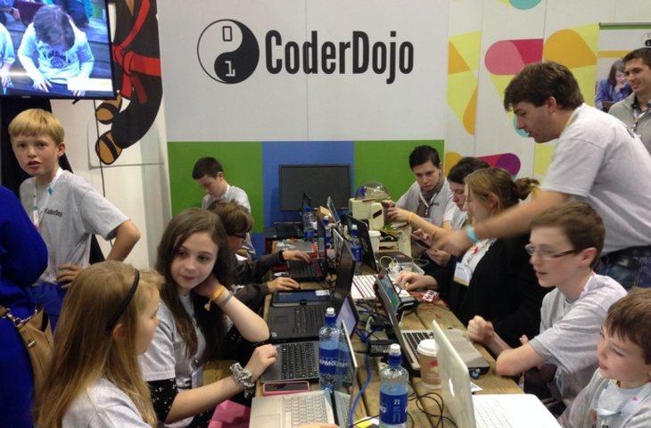 Coronavirus: CoderDojo Ozzano insegna a programmare videogiochi a distanza