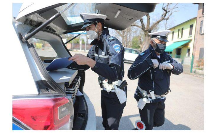 Coronavirus, altre cinque persone sanzionate a Imola dalla polizia locale