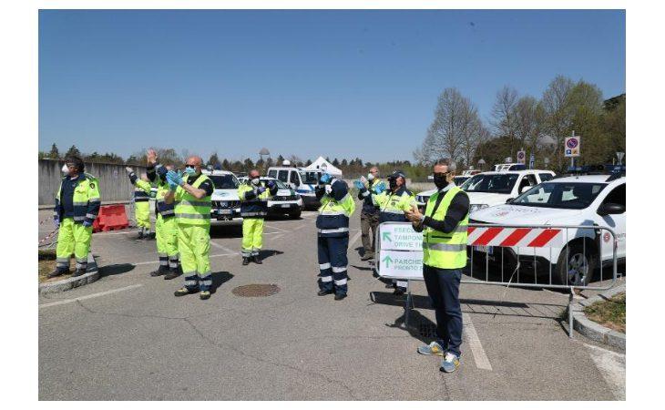Coronavirus, i volontari della protezione civile hanno omaggiato gli operatori sanitari dell'ospedale di Imola