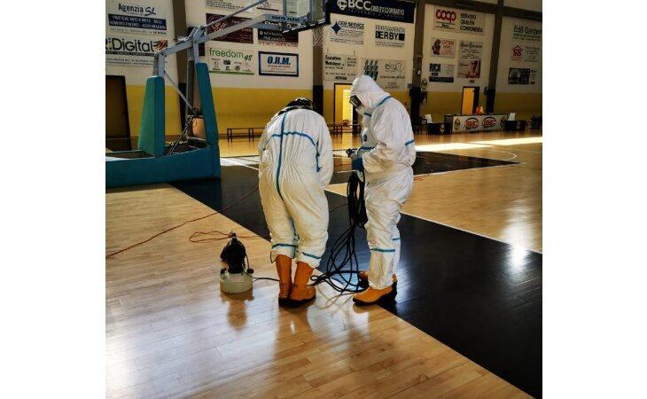 Coronavirus, i vigili del fuoco hanno sanificato gli impianti sportivi comunali di Medicina