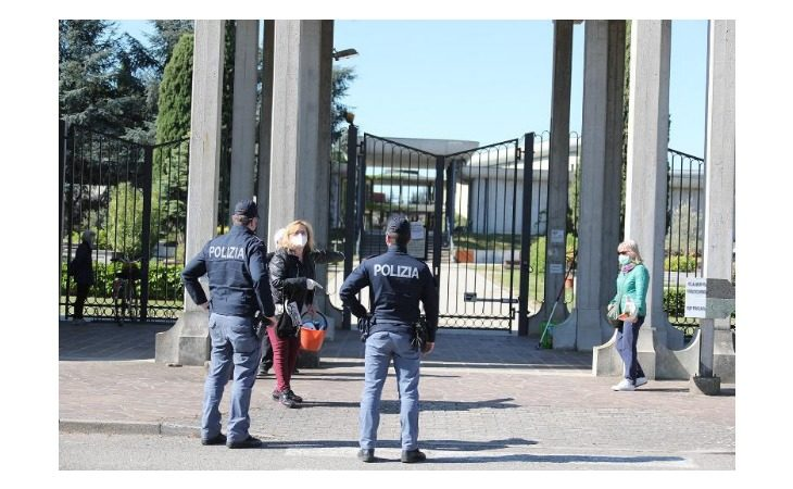 Stamattina apertura ritardata per i cimiteri di Imola, tutte le regole per accessi e svolgimento dei funerali