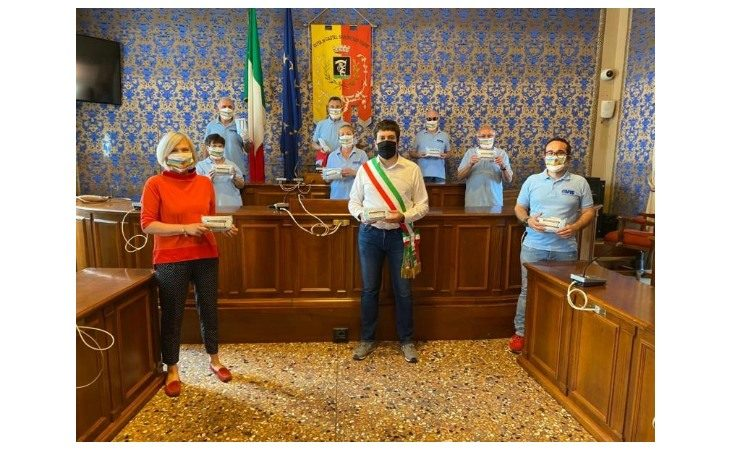 Coronavirus, l'Avis Castel San Pietro dona 500 mascherine chirurgiche al Comune