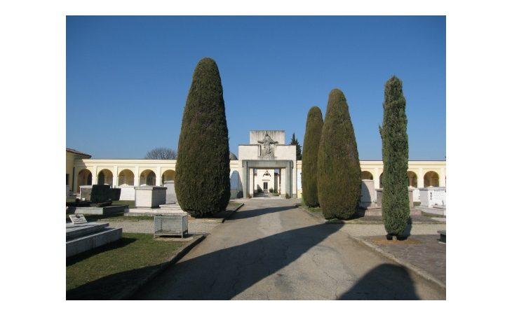Coronavirus, nuove disposizioni per l'accesso ai cimiteri comunali di Castello