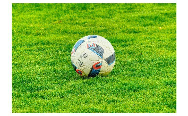 Calcio, ufficiale la ripartenza dei campionati professionisti. Stop definitivo a tutti i dilettanti