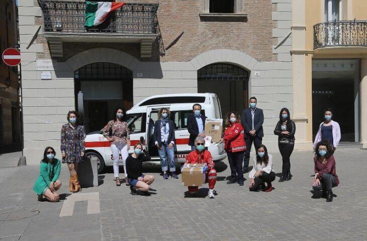 Neupharma dona altre 600 mascherine al comitato di Imola della Croce rossa