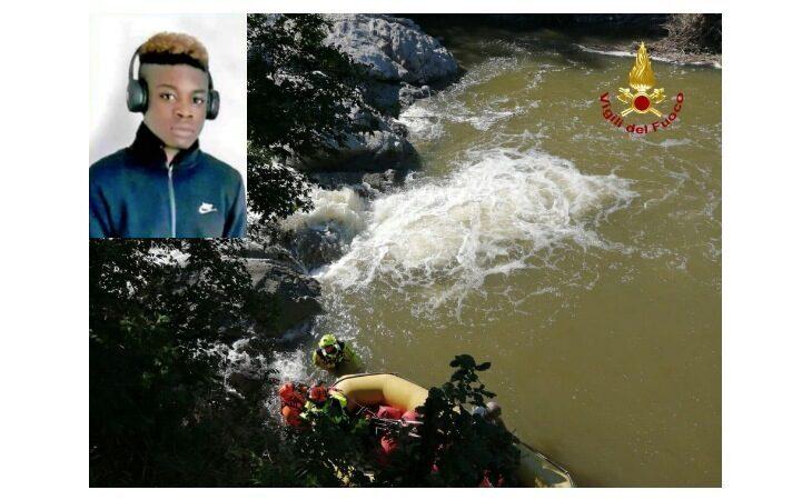 Domani ad Ozzano i funerali di Riccardo Zuwa Brown, il 17enne annegato nel torrente Idice