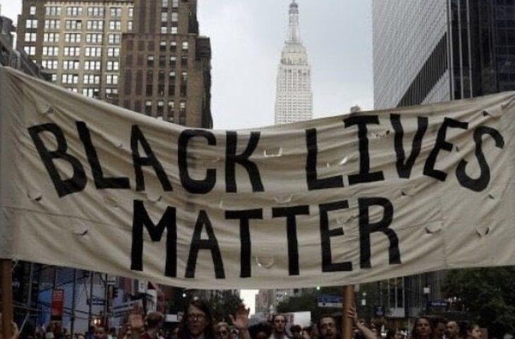 Anche a Imola un Flash mob di solidarietà a «Black Lives Matter»