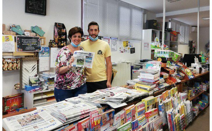 «Un salto in edicola» raggiunge la Soleluna di Borgo Tossignano tra figurine e libri per l'estate