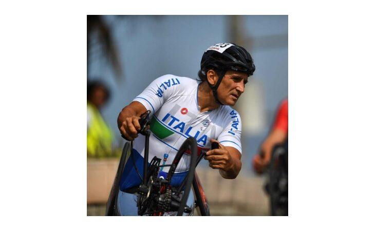 Alex Zanardi grave ma stabile dopo l'incidente in handbike durante la staffetta «Obiettivo tricolore». Martedì aveva fatto tappa all'autodromo di Imola