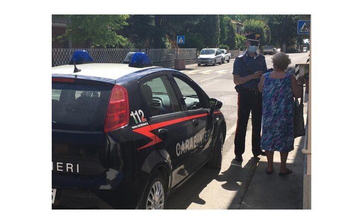Tre giovani tentano di raggirare un'anziana, individuati e denunciati grazie al gruppo di vicinato