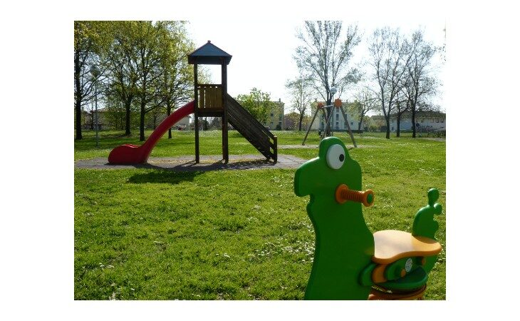 Riaperte le aree gioco nei parchi di Medicina, accesso consentito solo con la mascherina