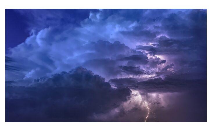 Allerta meteo della protezione civile per temporali e vento forte