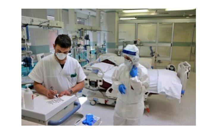 Coronavirus, dalla Regione più di 300 mila euro all'Ausl di Imola per tutto il personale impegnato durante l'emergenza