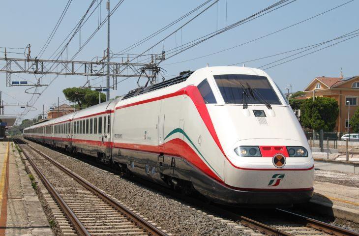 Prorogate fino al 31 agosto le agevolazioni per i pendolari sui treni a lunga percorrenza