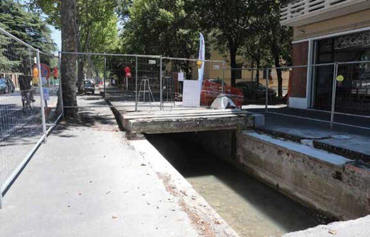 In via di completamento l'intervento di copertura del canale dei Molini in viale Carducci