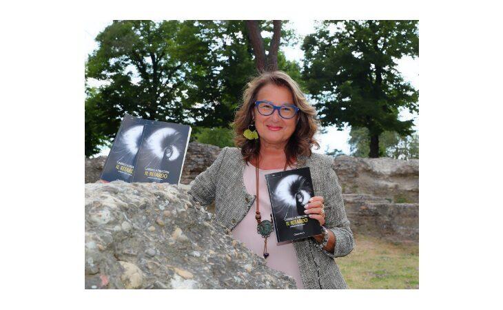 «Il ritardo» è il nuovo romanzo di Gabriella Pirazzini