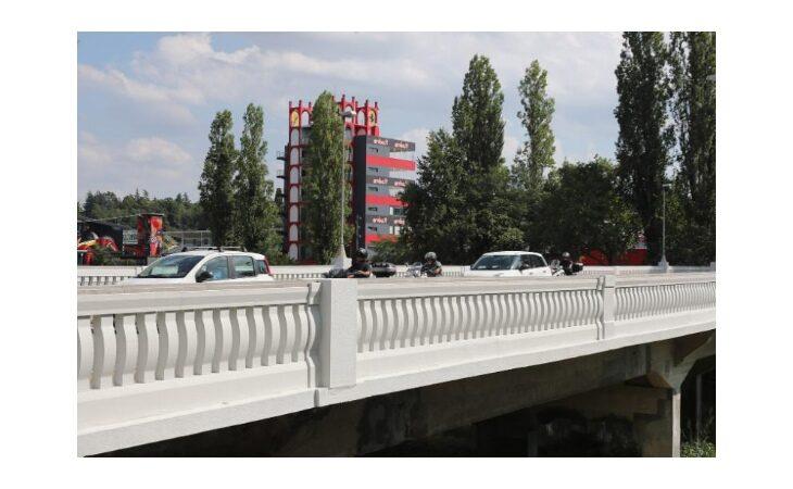 Parapetti più alti nel ponte di viale Dante sul Santerno
