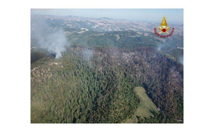 Incendio Monte Battaglia, situazione migliorata e conclusione delle operazioni vicina