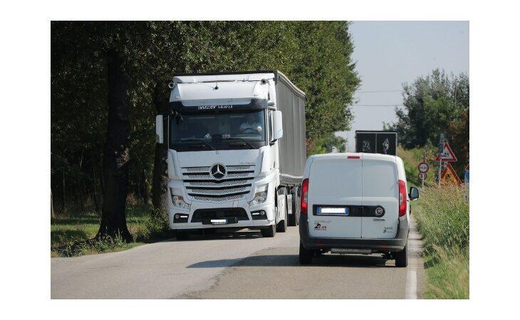A Medicina sulla Trasversale divieto di transito ai mezzi sopra le 7,5 tonnellate e senso unico alternato con semaforo sul ponte del torrente Gaiana