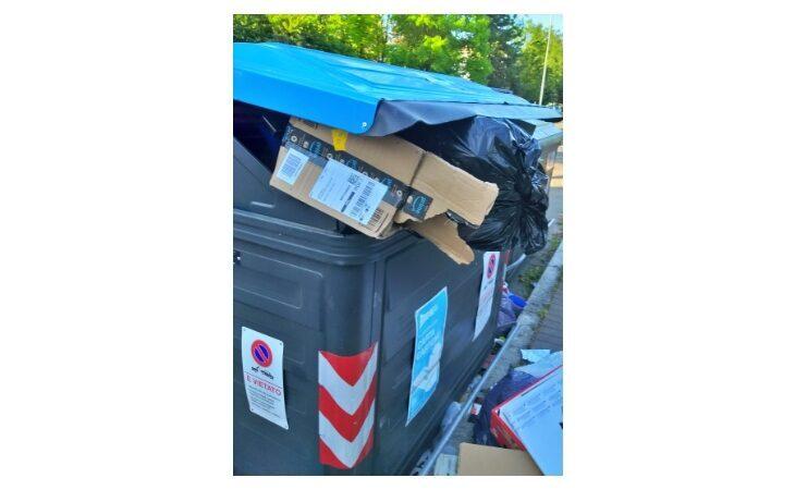 Il Comune di Imola contro i «furbetti» dei rifiuti, Guardie Ambientali Metropolitane elevano 90 verbali