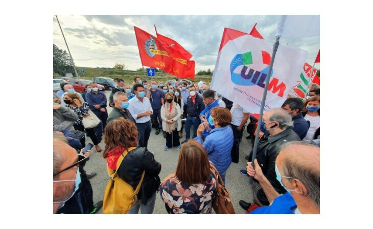 Cefla, lavoratori in sciopero contro la possibile cessione della divisione Shopfitting